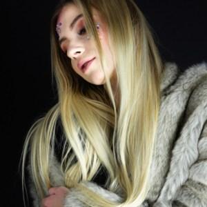 portret kobiecy sesja fotograficzna w studio