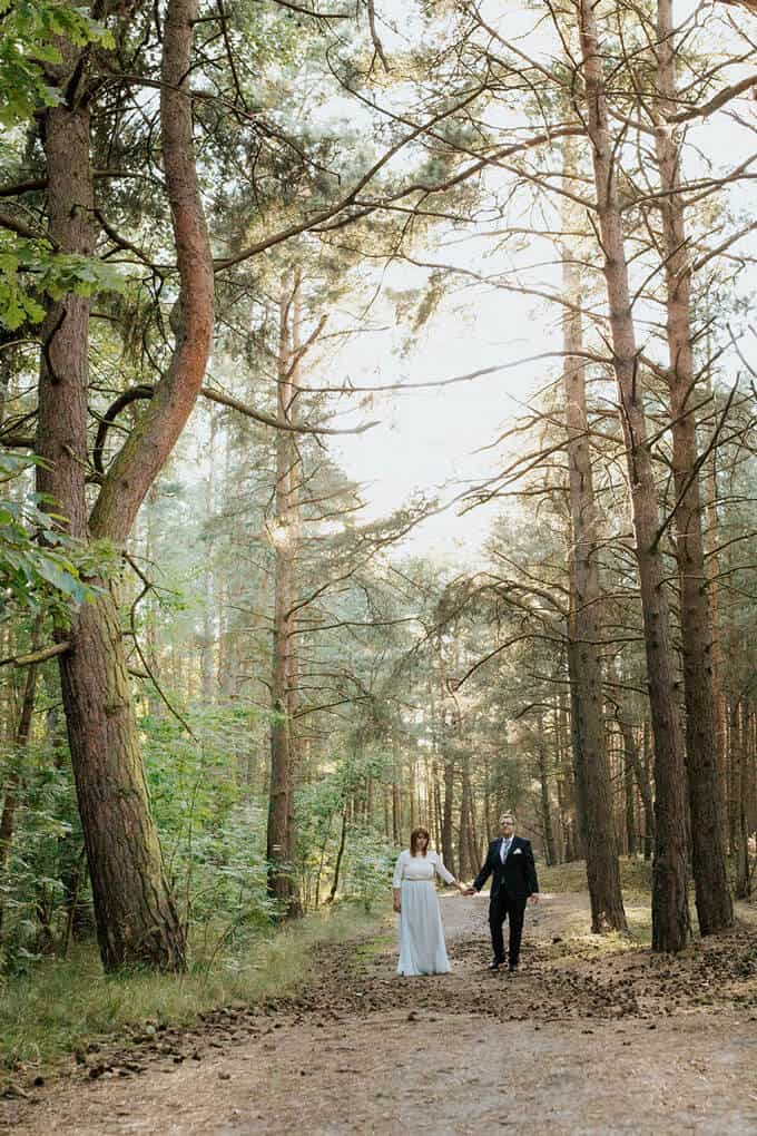 Weronika Bolek Fotograf ślubny, fotografia plenerowa w lesie, sesja weselne