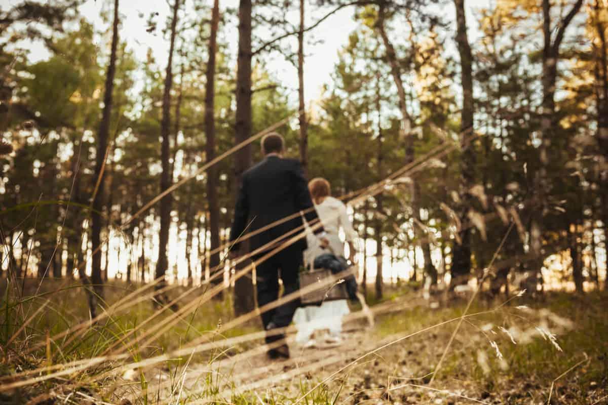 plener ślubny las, fotografia plenerowa, morze, fotograf weselny